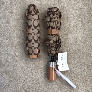 Authentic Coach luxury umbrella, NWT